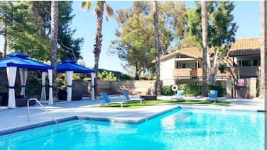 Private Charming 2/2 Pool&jacuzzi&wine Nearbeach?