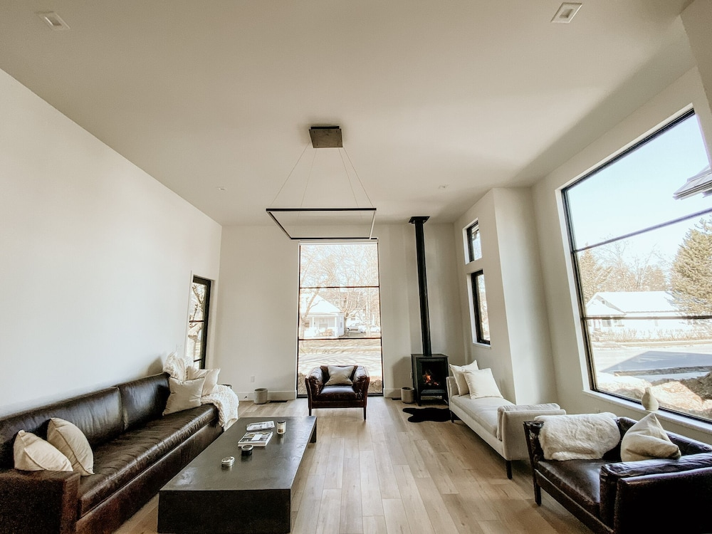 Living Room, NEW Luxury Executive Suite Located in the Heart of the City!