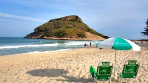 Beach nearby, white sand, free beach cabanas, beach umbrellas
