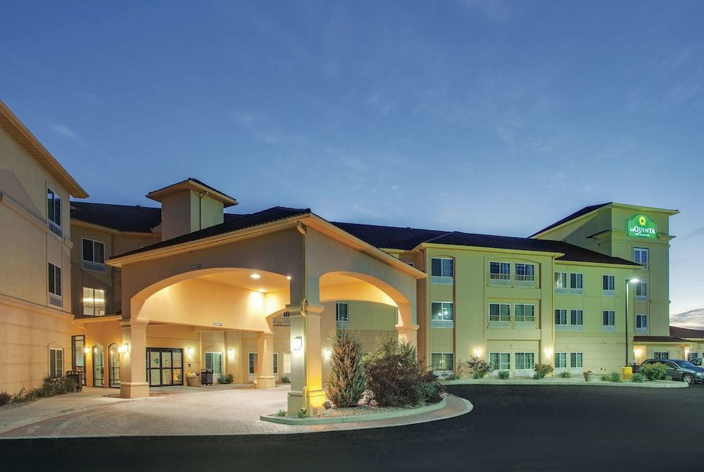 La Quinta Inn Suites By Wyndham Verona In Utica Hotel Rates