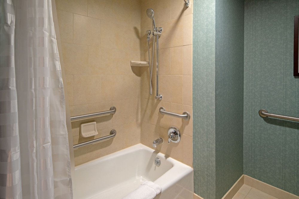 Bathroom, Hyatt Place San Diego/Vista-Carlsbad