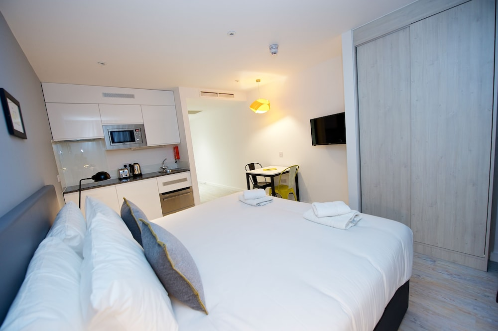 Staycity aparthotels london heathrow deals reviews for Londre appart hotel