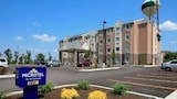 Microtel Inn & Suites by Wyndham Triadelphia/Wheeling - Triadelphia Hotels