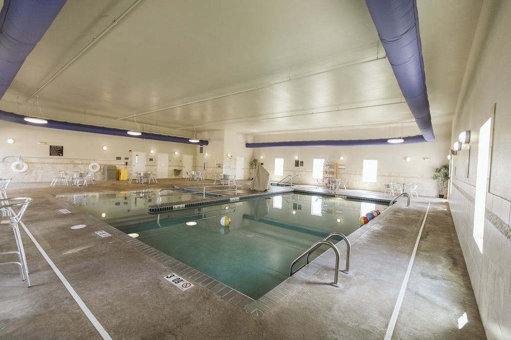 Indoor Pool, Highland Suites