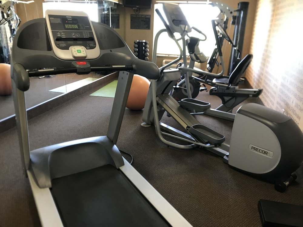 Fitness Facility, Highland Suites