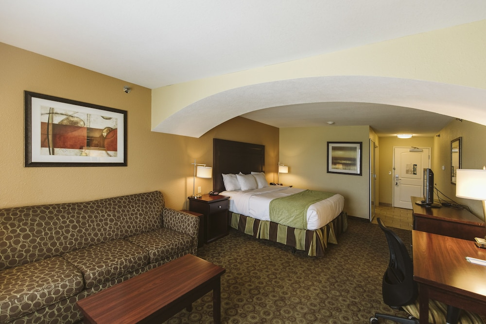 Room, Highland Suites