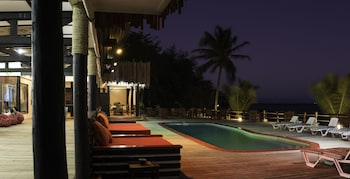 Funky Fish Beach & Surf Resort - Hostel