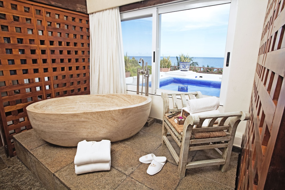 Deep Soaking Bathtub, Desire Pearl Luxury All Inclusive - Couples Only