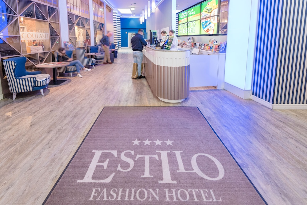 Reception Hall, Estilo Fashion Hotel
