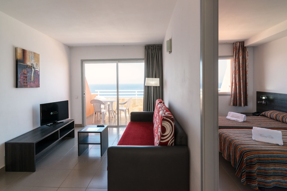 Room, Marina Elite