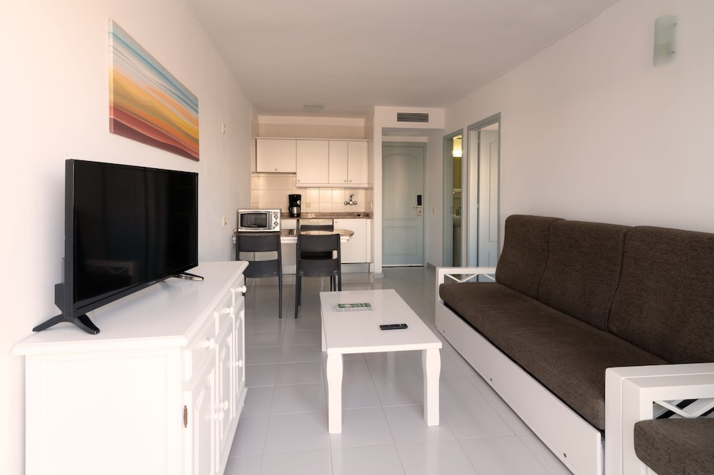 Living Room, Marina Elite