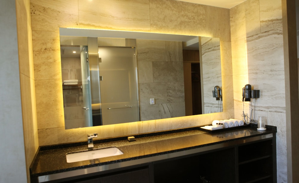 Bathroom, Hotel DongBang