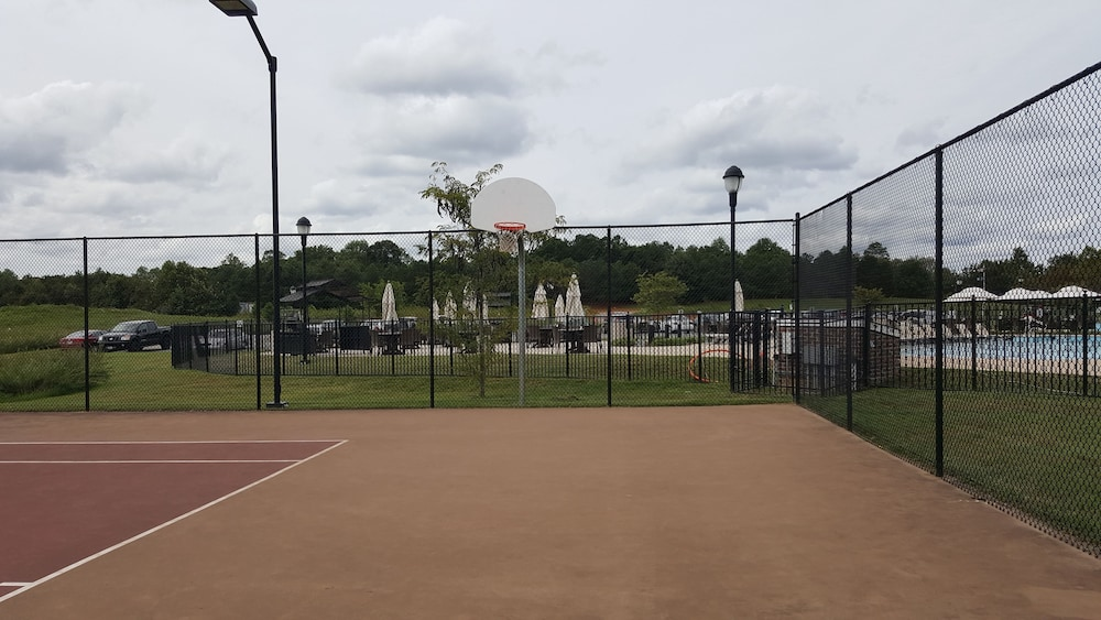 Tennis Court, The Colonies at Williamsburg