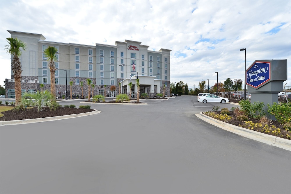 Front of Property, Hampton Inn & Suites Columbia/Southeast-Ft. Jackson