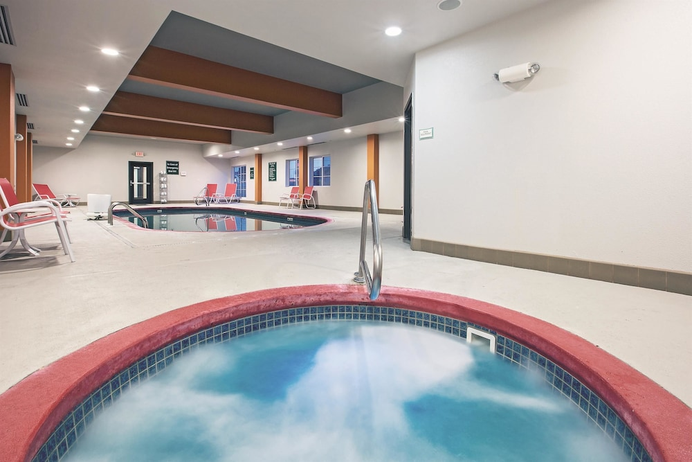 Pool 4 of 48