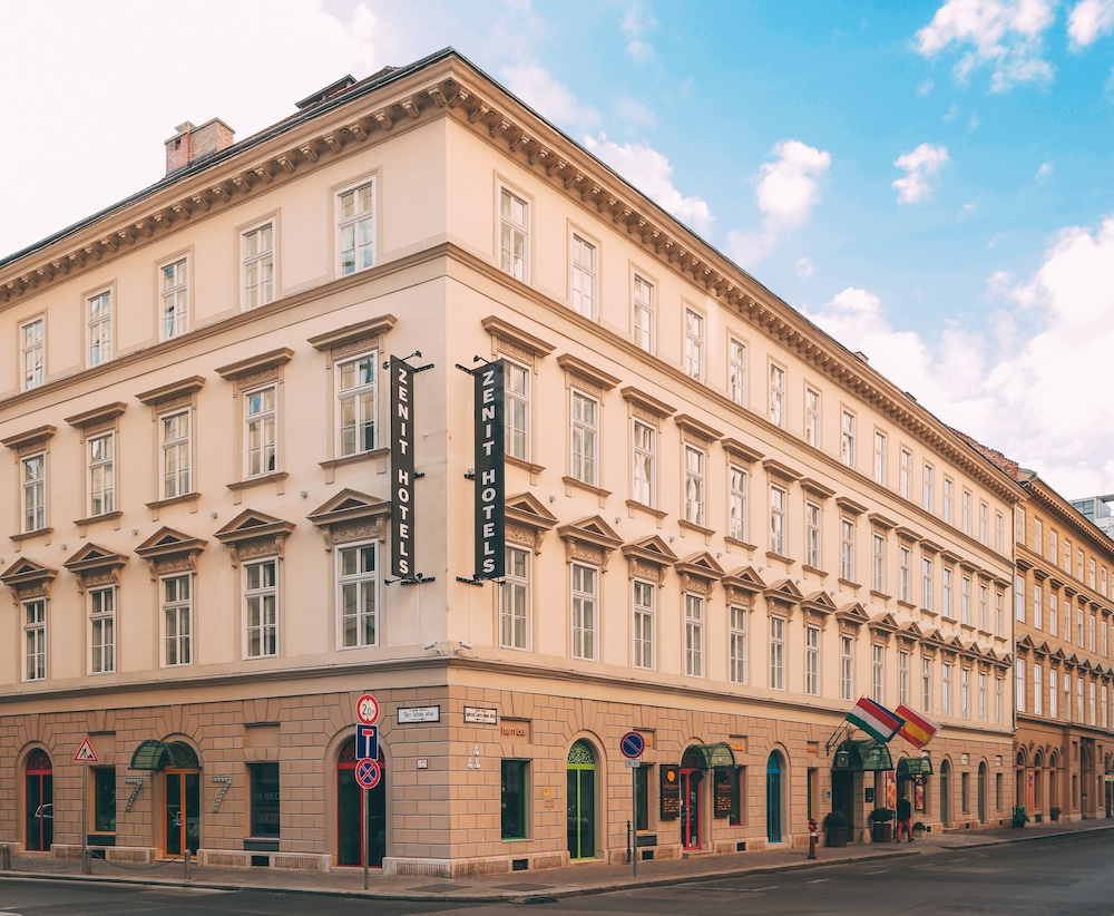 Featured Image, Hotel Zenit Budapest Palace