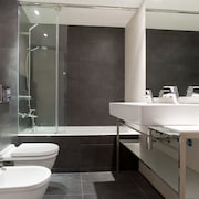 Executive Apartment, Private Bathroom - Bathroom