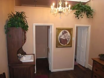 Bathroom, Teller House