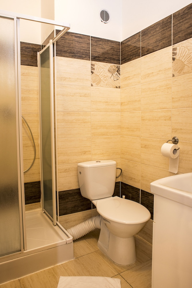 Bathroom, Pension Petit