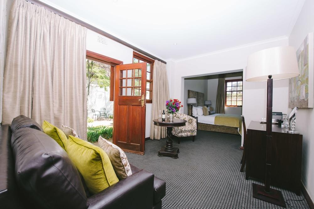 luxury boutique hotel meerendal wine estate - 550×367