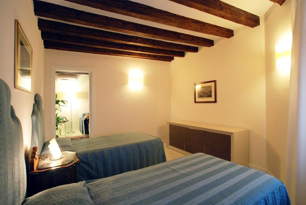Sarai apartments voorzieningen en recensies - Fotos van volwassen kamer ...