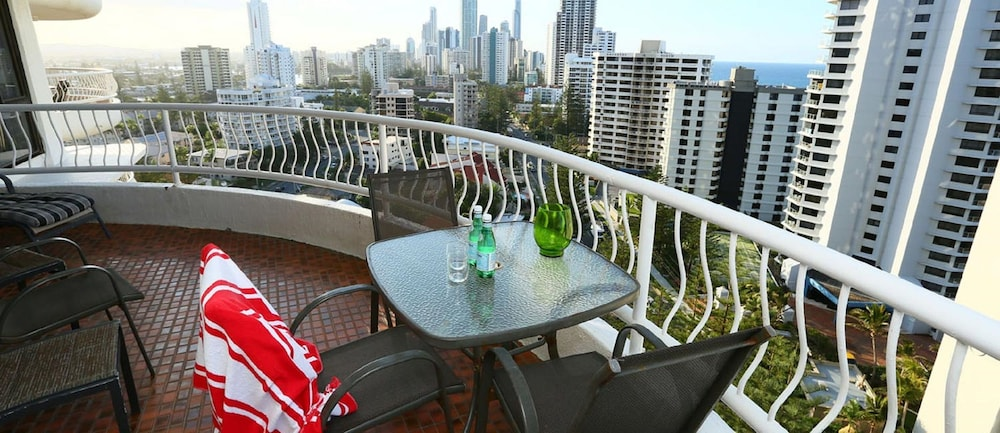 Biarritz Apartments In Gold Coast Hotel Rates Reviews On Orbitz