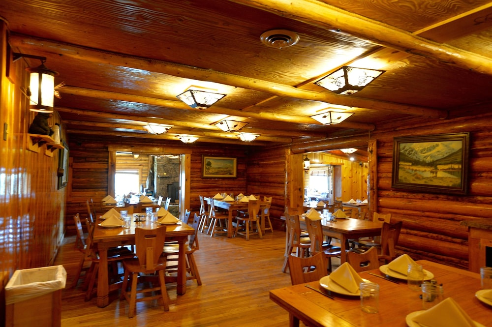 Restaurant, Heart 6 Ranch