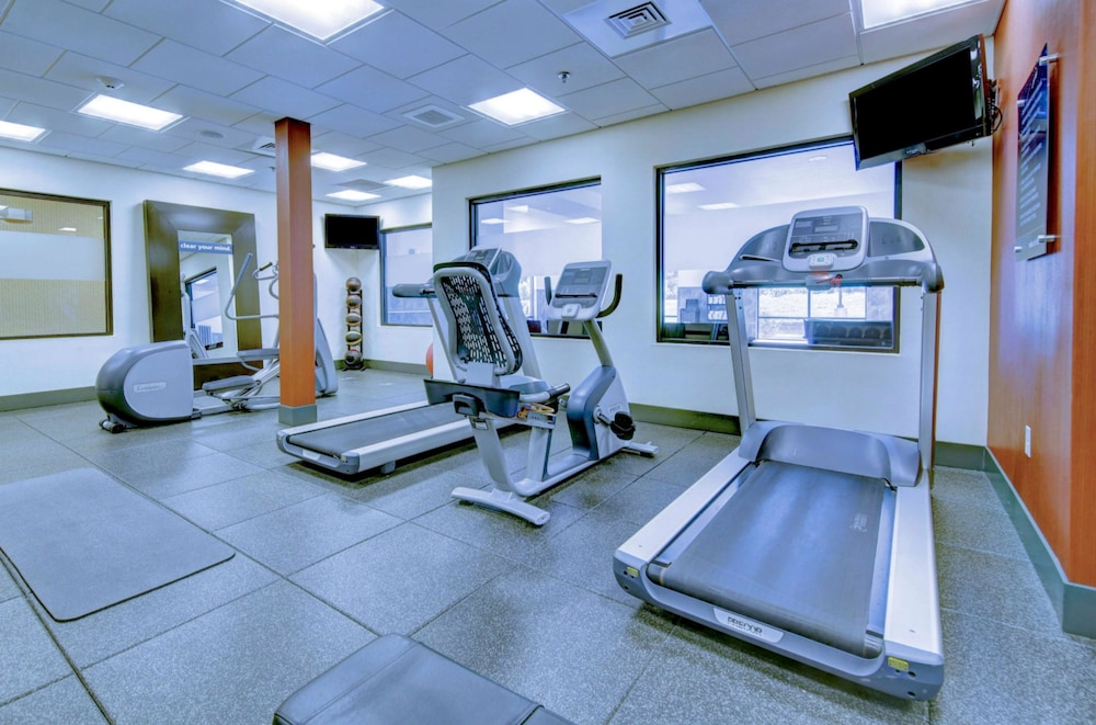 Fitness Facility, Hampton Inn & Suites Harrisburg/North, PA