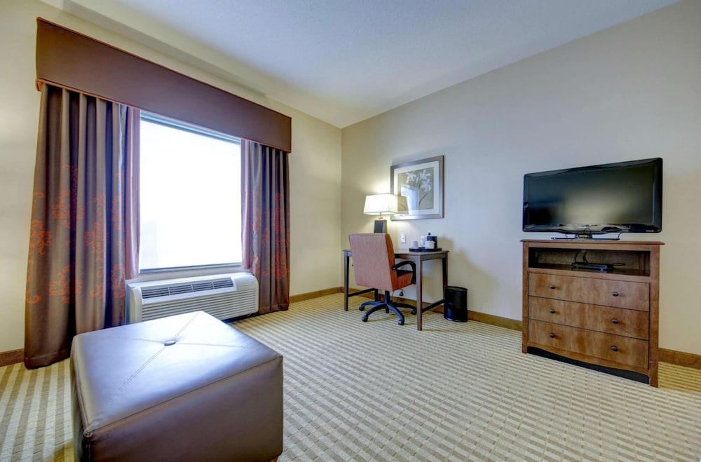 Living Area, Hampton Inn & Suites Harrisburg/North, PA
