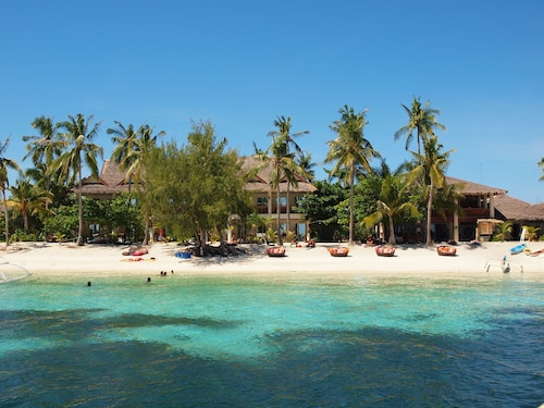Best Malapascua Island Hotel Deals Ocean Vida Beach And Dive Resort