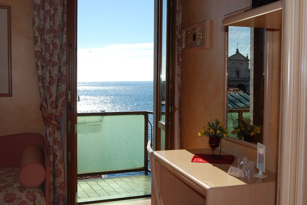 Garda Sol Apart-hotel Beauty & SPA (Toscolano Maderno) - 2018 Hotel ...