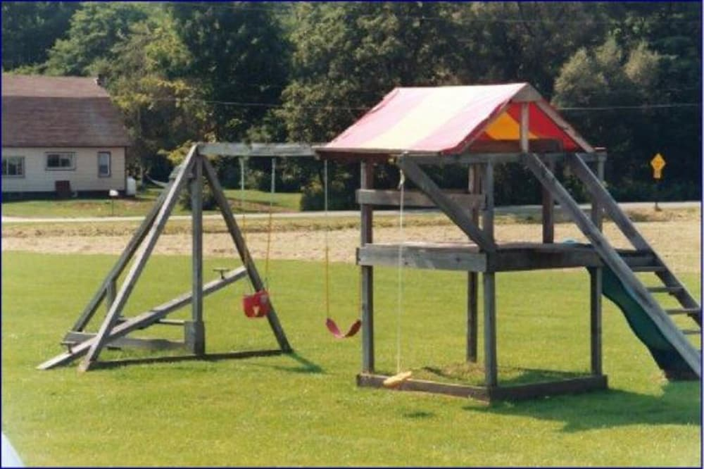 Children's Play Area - Outdoor, Portlodge Motel
