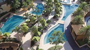 2 สระว่ายน้ำกลางแจ้ง, คาบาน่า (คิดค่าบริการ), ร่มริมสระว่ายน้ำ