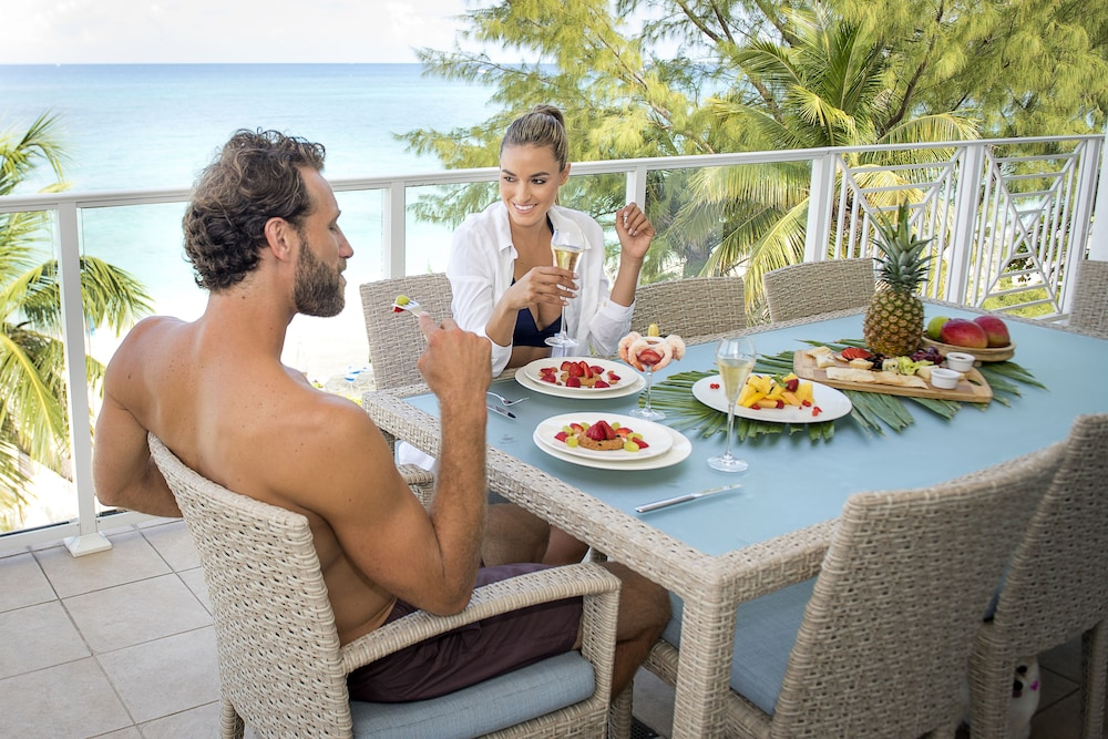 Couples Dining, Caribbean Club Luxury Condo Hotel