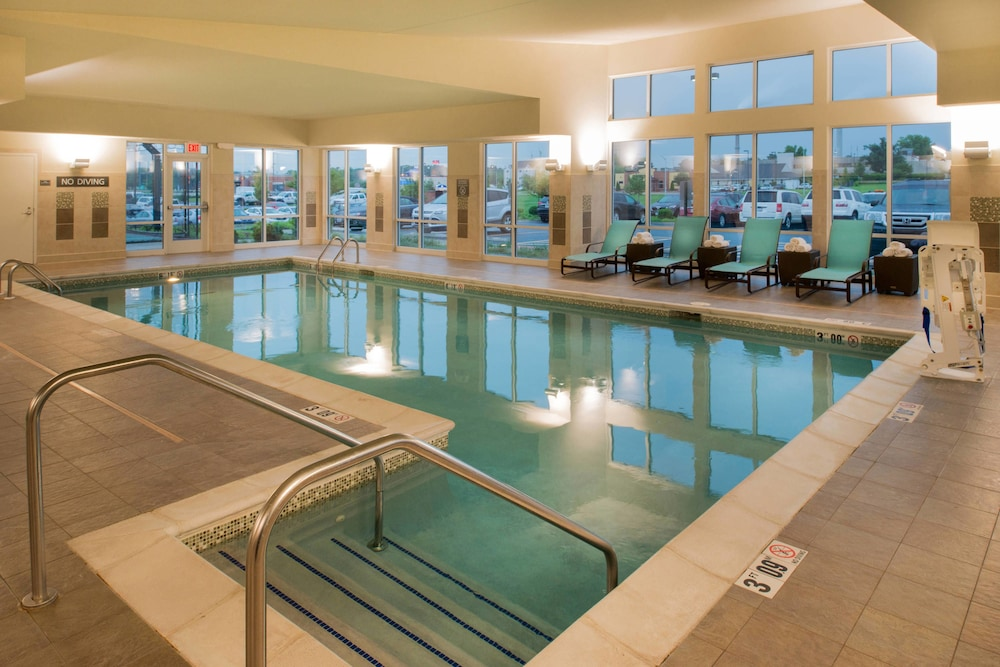 Pool, Residence Inn by Marriott Springfield South