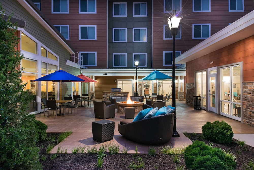 BBQ/Picnic Area, Residence Inn by Marriott Springfield South