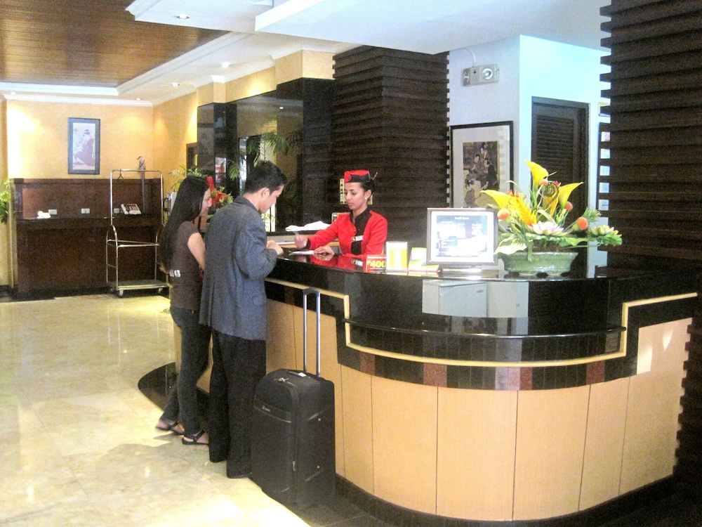 Reception, Hotel Sogo Malate