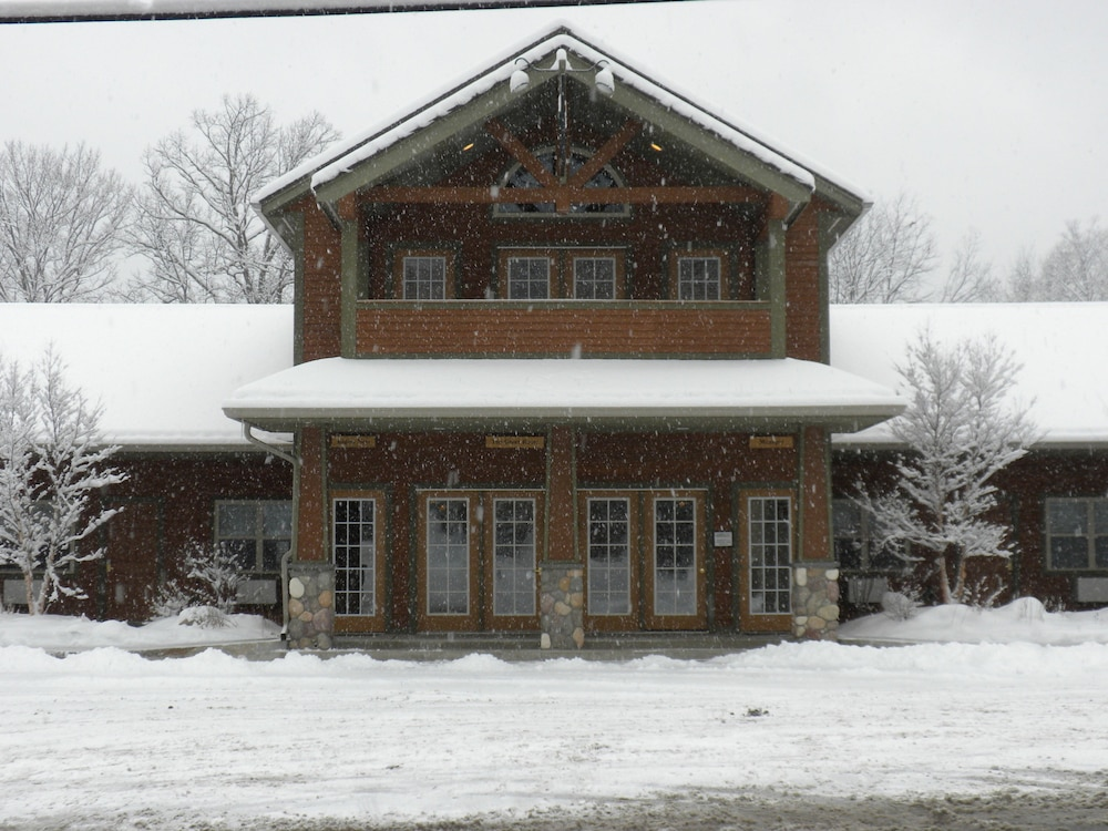 The alpine lodge lake george etats unis for The alpine lodge