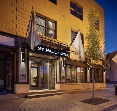 Front of Property - Evening/Night, St Paul Hotel Wooster