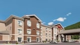Ramada Creston - Creston Hotels