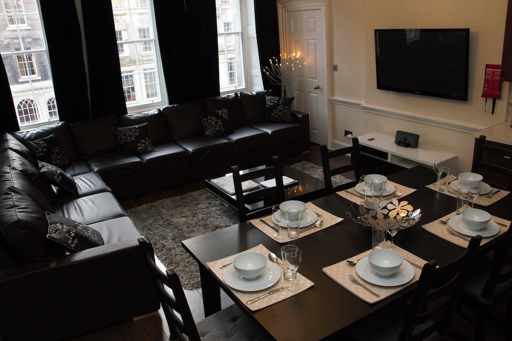 Apartment, 4 Bedrooms, City View (4 Bathrooms on Royal Mile) - Featured Image
