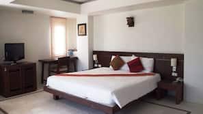 高級寢具、Select Comfort 床墊、房內夾萬、書桌