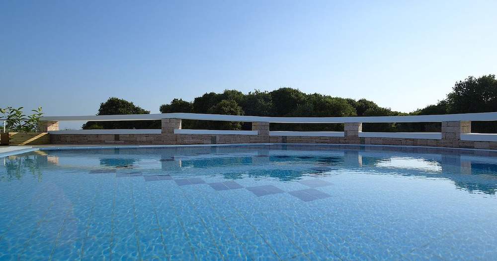 Outdoor Pool, Hotel Ionian Theoxenia