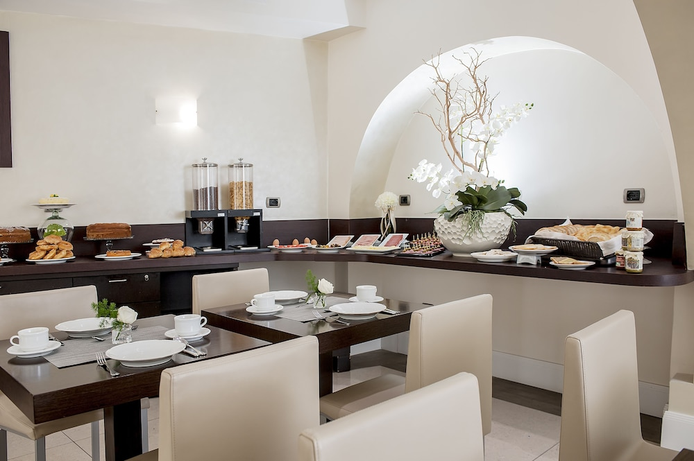 Breakfast Area, Demetra Hotel