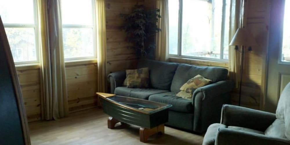 Hilltop Cabins And Motel Reviews Photos Amp Rates