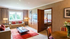 In-room safe, desk, laptop workspace, cots/infant beds