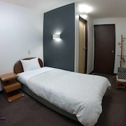 Shirakawa Business Hotel