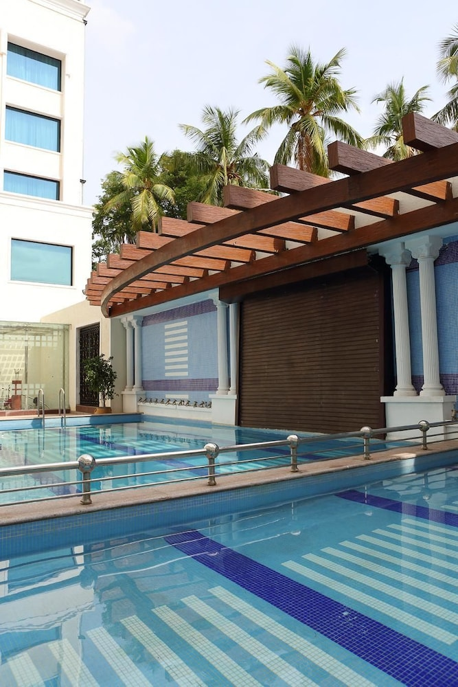 Accord puducherry in pondicherry cheap hotel deals rates hotel reviews on cheaptickets for Cheap hotels in pondicherry with swimming pool