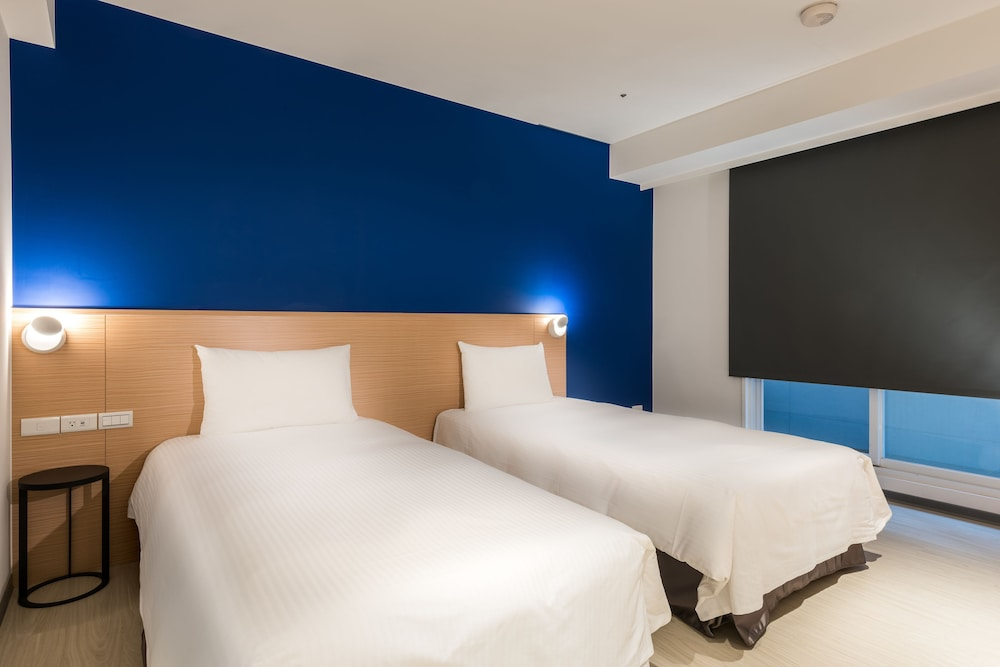 Wonstar hotel ximen 2019 room prices 73 deals reviews for Design ximen hotel review