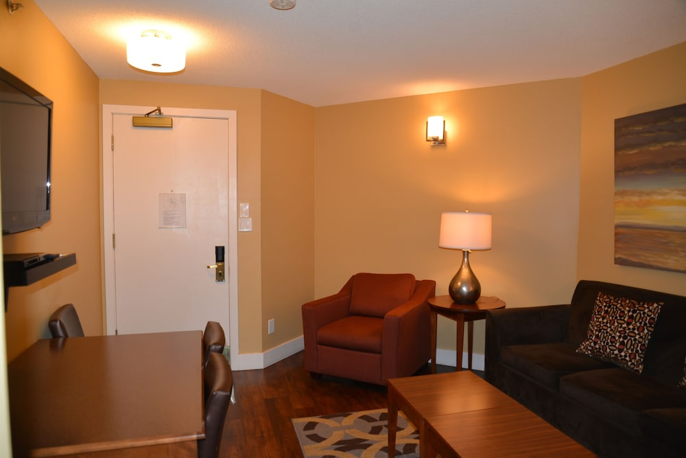 Living Area, Rosedale Condominiums